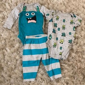 Children's Place Monster Baby Bundle size 0-3 mnth